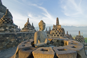 https://www.silverjet.nl/content/images/content/Thumb 300x200 Java Borobudur shutterstock_31810516.jpg