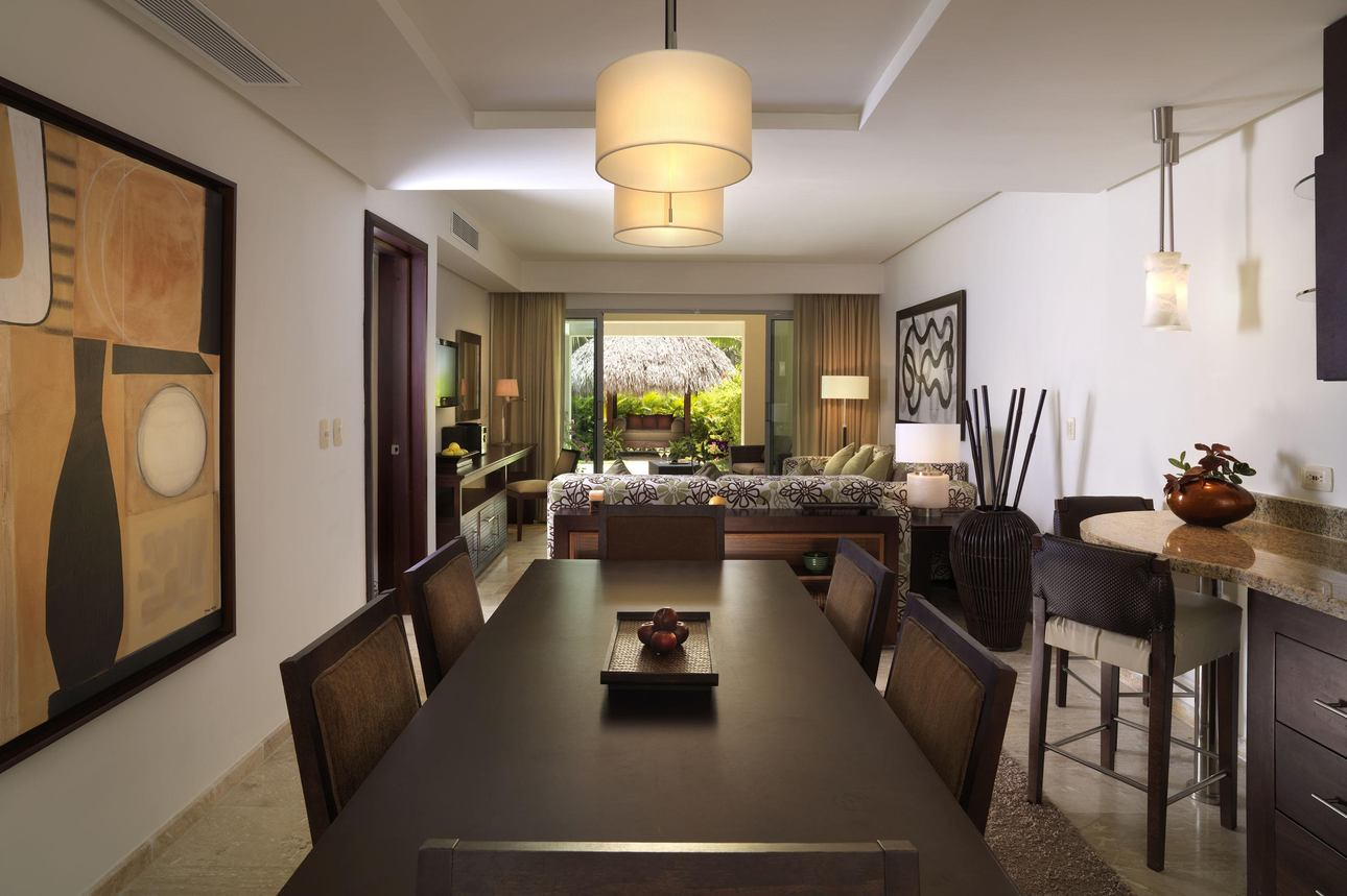 The ReserveTwo Bedroom Deluxe Master Suite