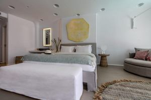 Blanc Pool Suite