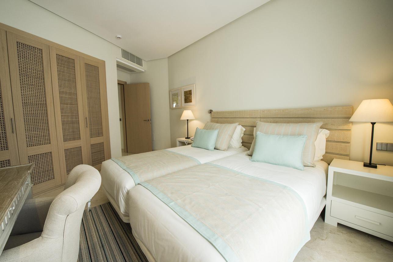 Suite Appartement 2- Slaapkamers Gedeeltelijk zeezicht met Jacuzzi