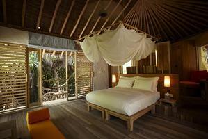 2-bedroom Lagoon Beach Villa Pool