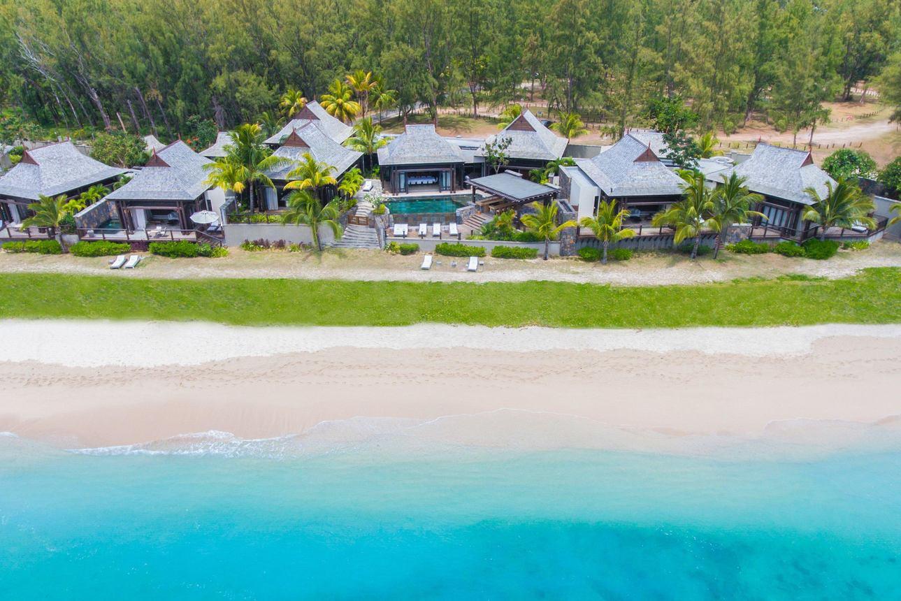 Grand Beachfront Villa - 4 slaapkamers