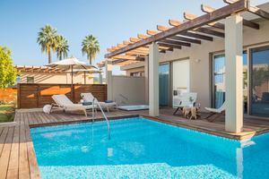 Pavilion Suite zeezicht met jacuzzi en zwembad