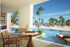 Preferred Club Master Suite Swim-out Frontaal Zeezicht
