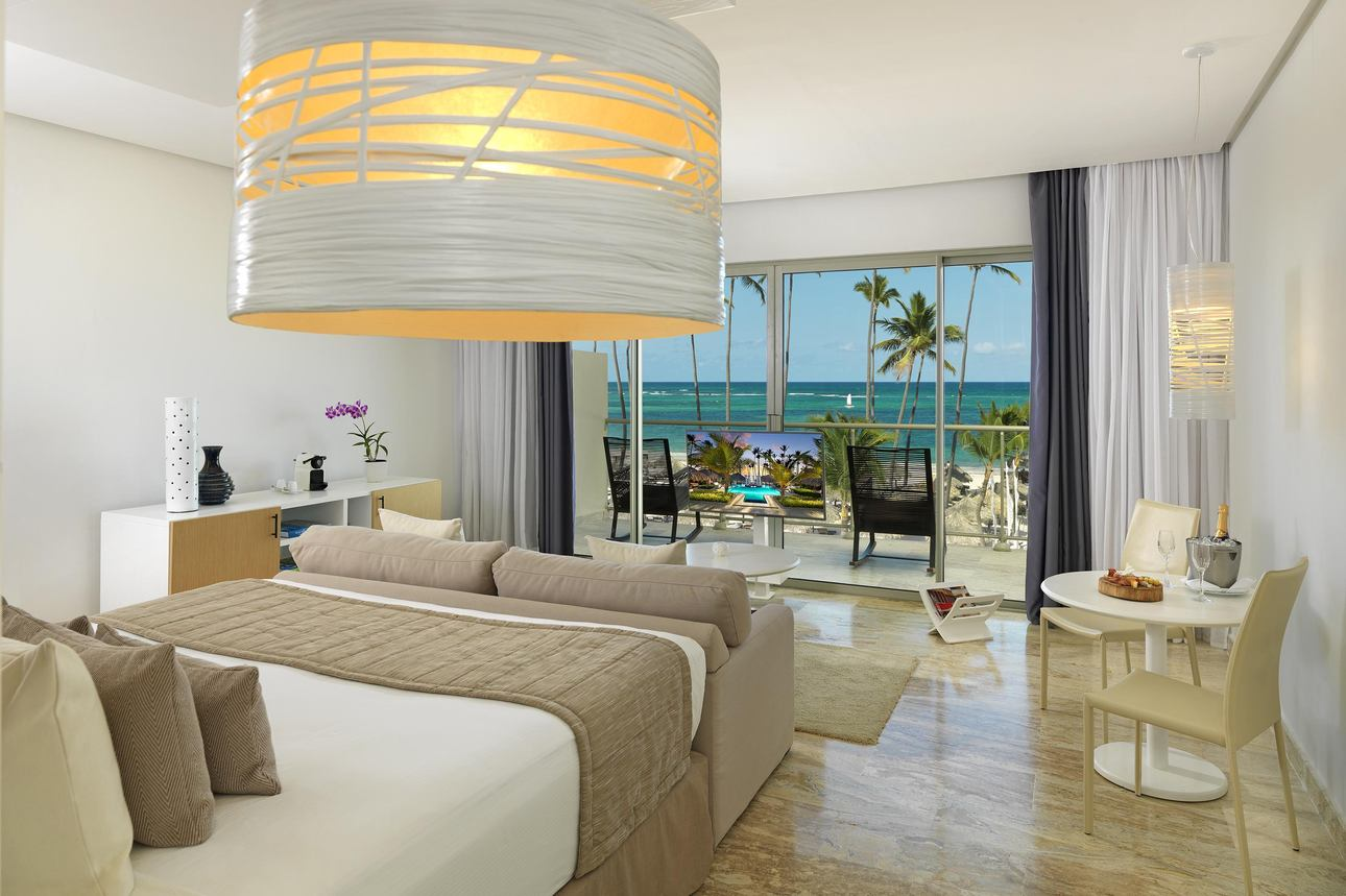 The Reserve Panoramic Ocean Front Jr. Suite