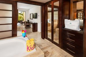 The Reserve One Bedroom Master Suite Family Concierge