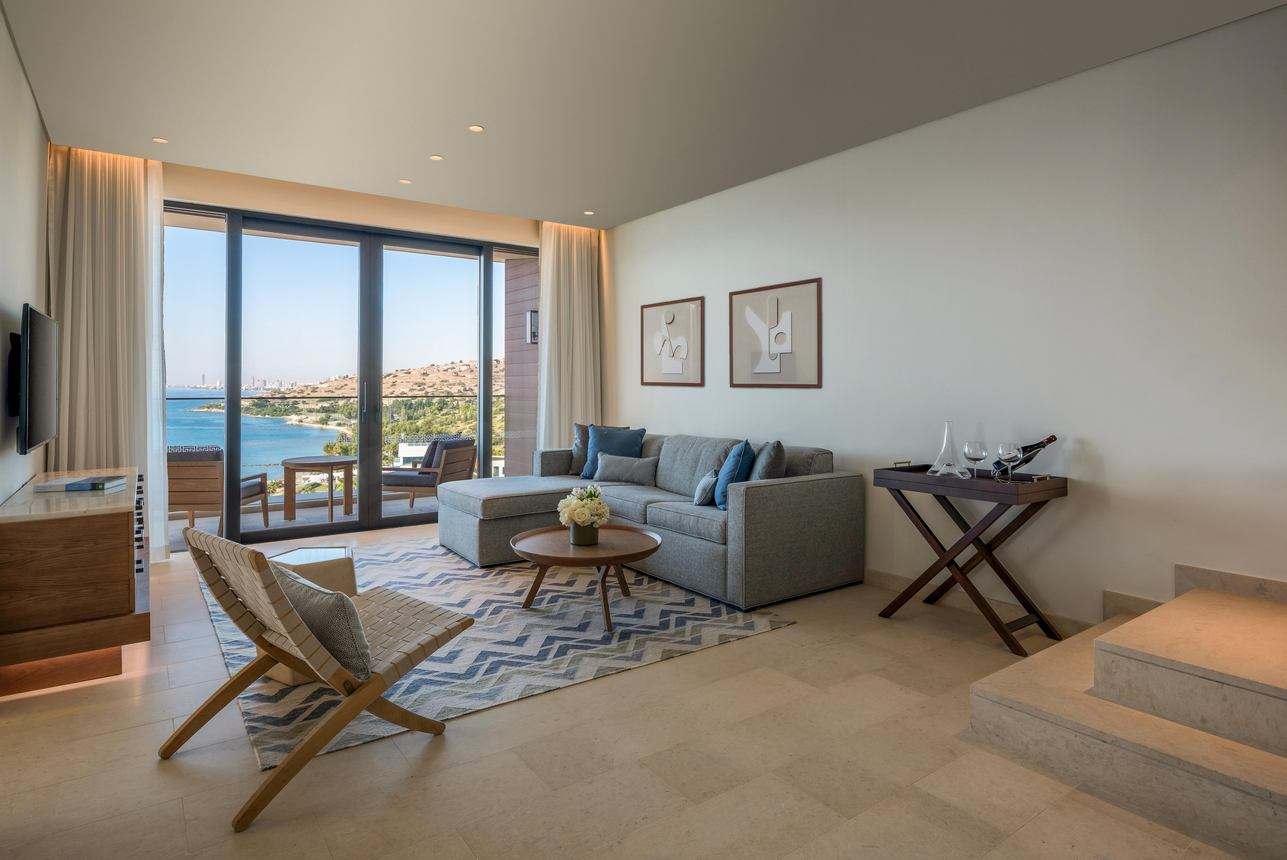Roof Top Duplex Suite met Zwembad