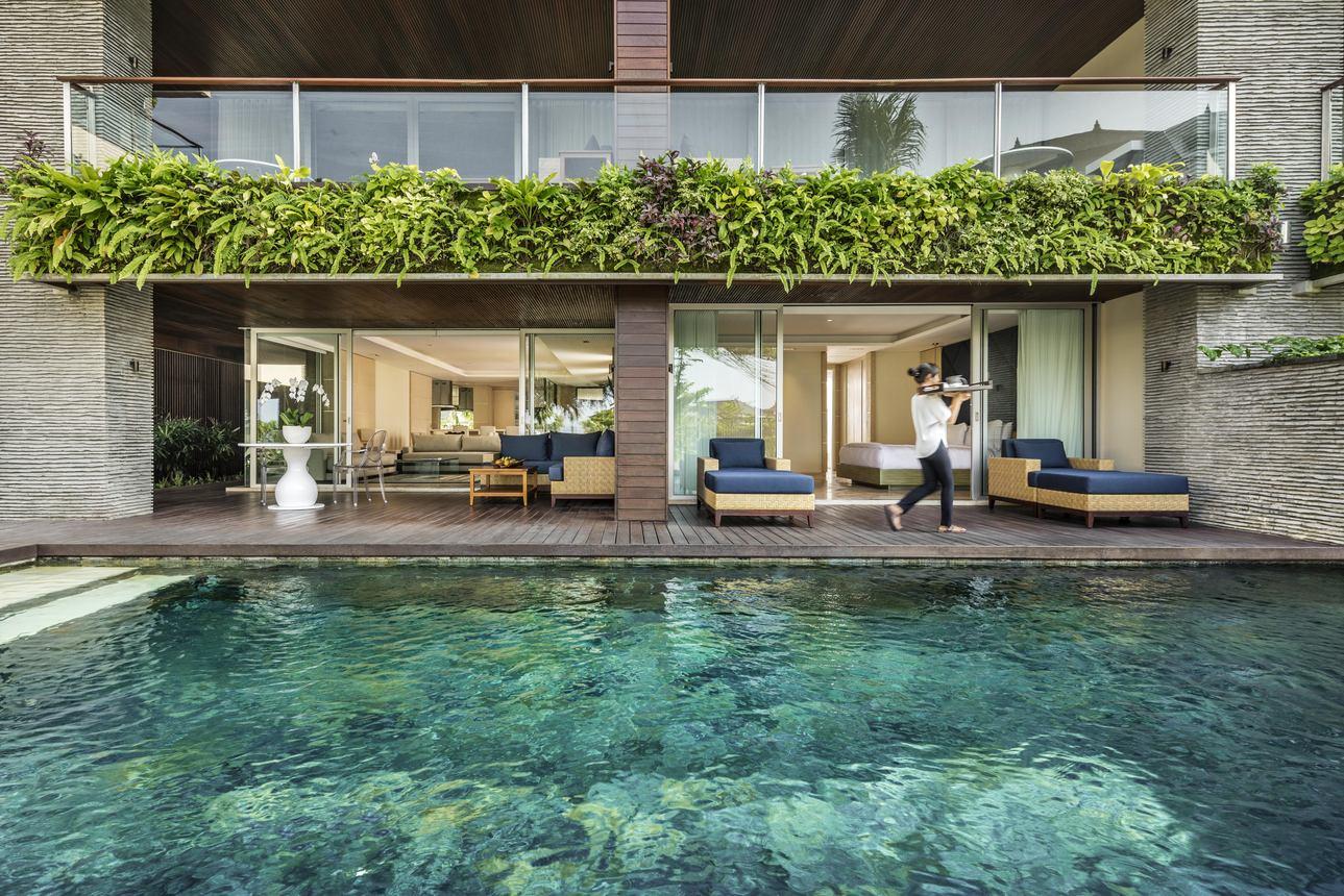 Uma Pool Residence