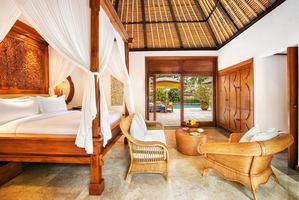 Luxury Pool Villa tuinzicht