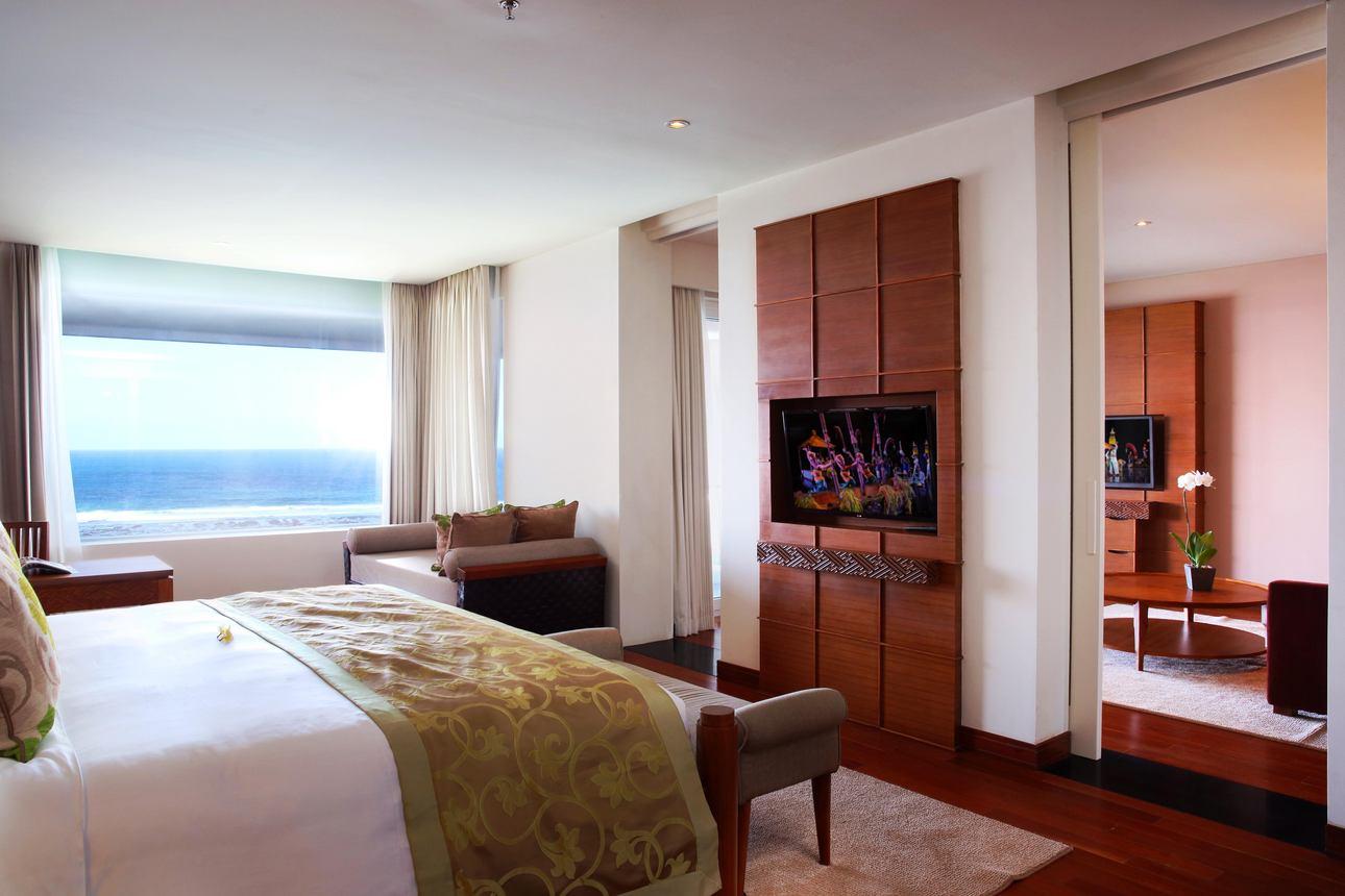 Ocean Front Suite