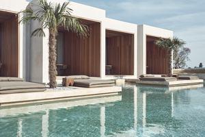 Superior Water Suite Zwembadzicht