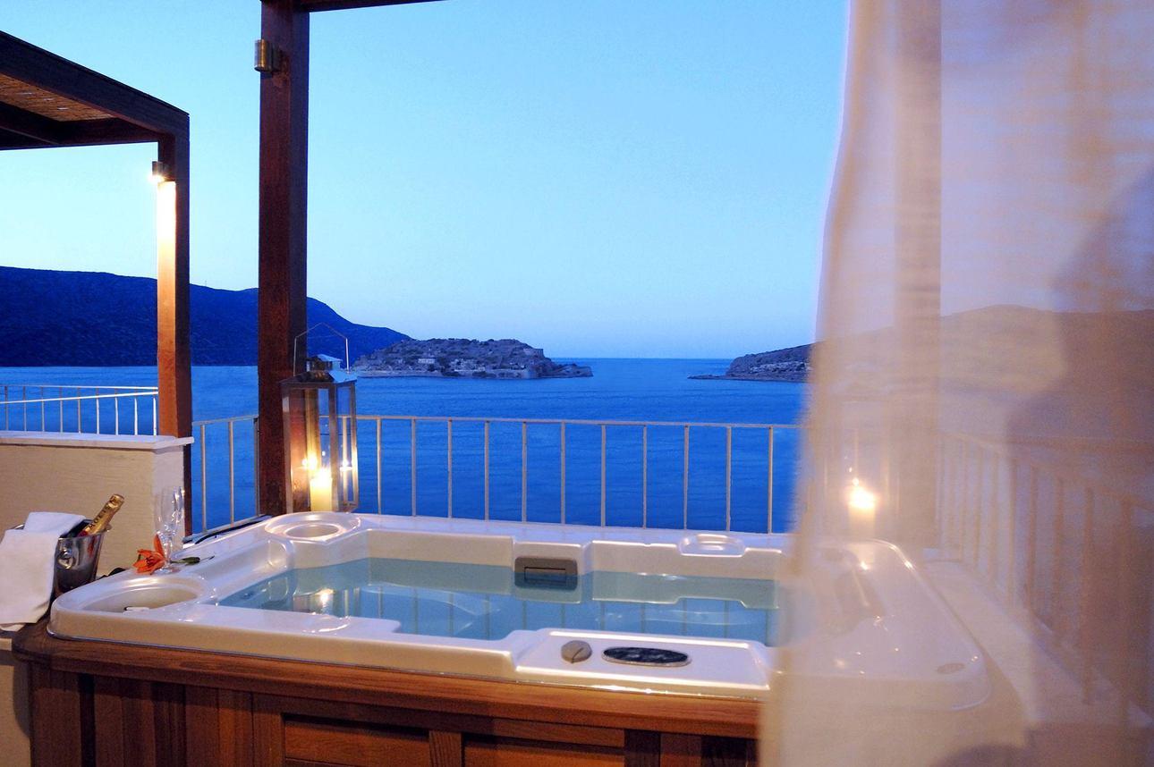 Premium Suite 1 slaapkamer jacuzzi tuinzicht
