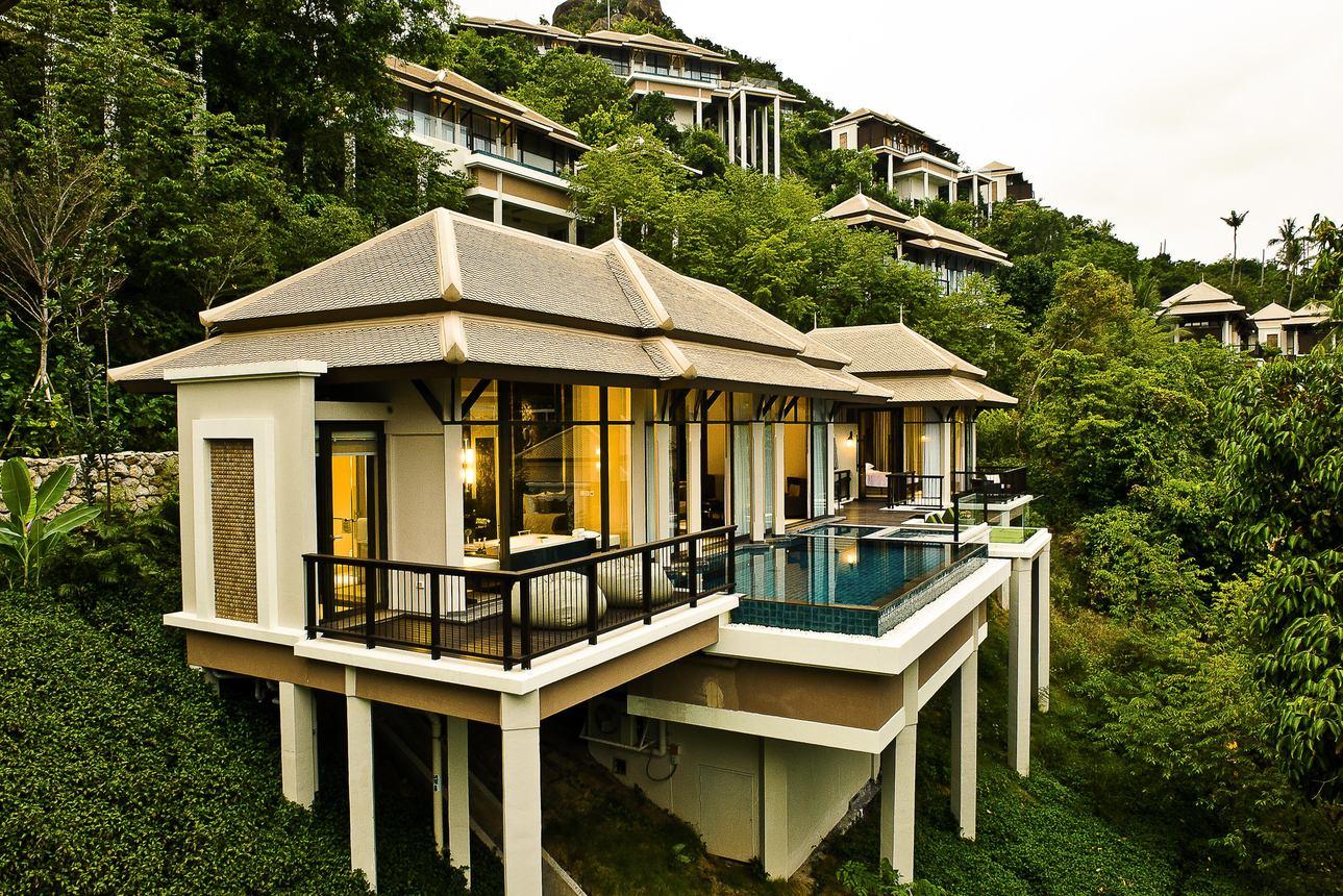 Family Ocean Pool Villa