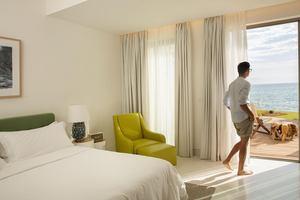 Emerald Suite Beachfront