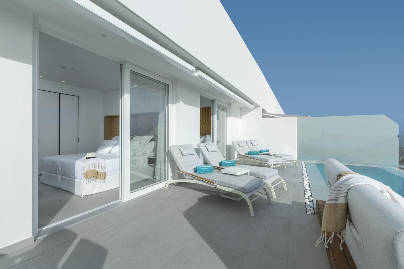 Penthouse Suite- 2 Slaapkamers met zwembad