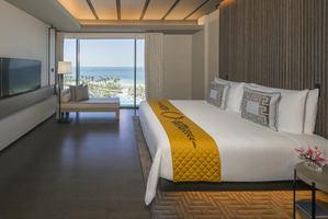 Palace Ocean Suite