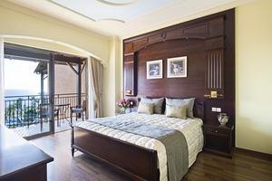 Thalia Suite