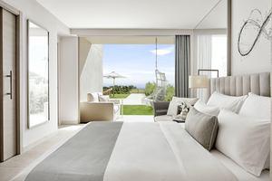 Deluxe Suite-2 slaapkamers Zeezicht Plungepool
