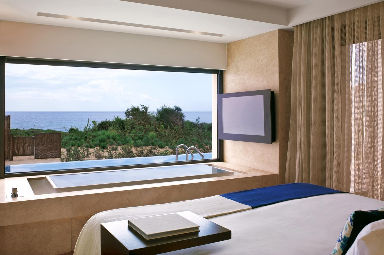 Premium Grand Infinity Suite Seafront