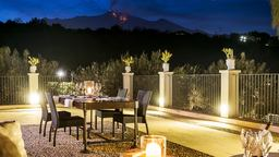 Restaurants/Cafes