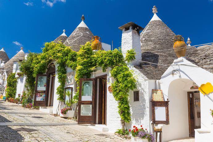 https://www.silverjet.nl/content/photos/res-2021048427-res-674003240--1065469748-Alberobello_ok.jpg