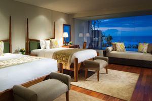 Ocean Front Family Pool Suite