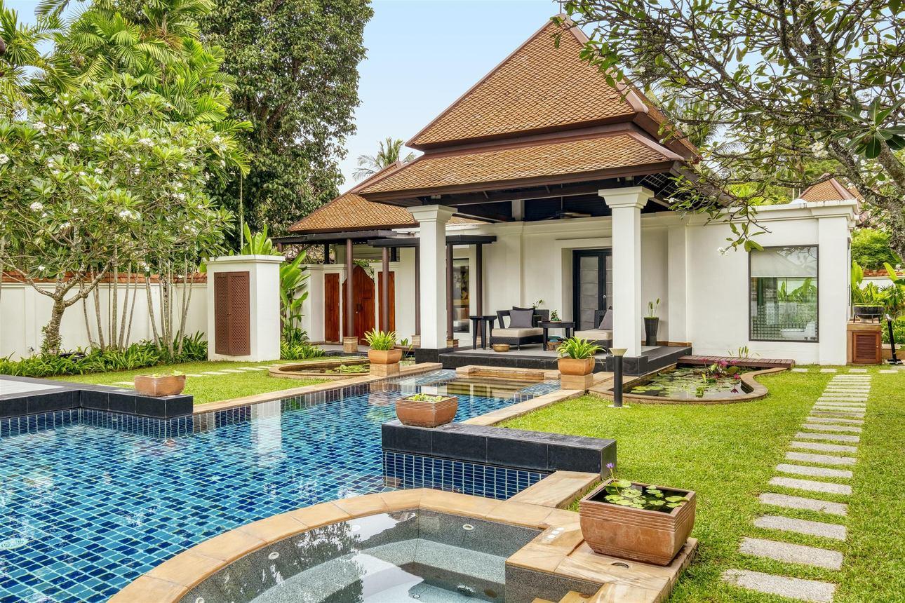 Spa Pool Villa