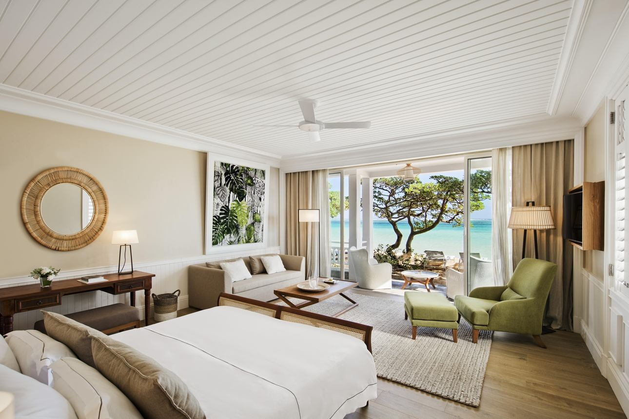 Deluxe Beachfront Suite