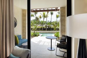 Adults Only Junior Suite Swim Up