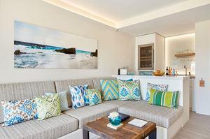 Laguna Suite Swim Up