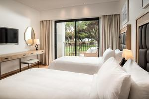Suite - 2 Slaapkamers Zwembadzicht