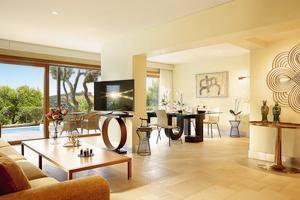 Ambassador Pool Villa