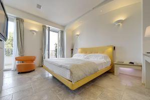 Superior Room Balkon zijdelings zeezicht