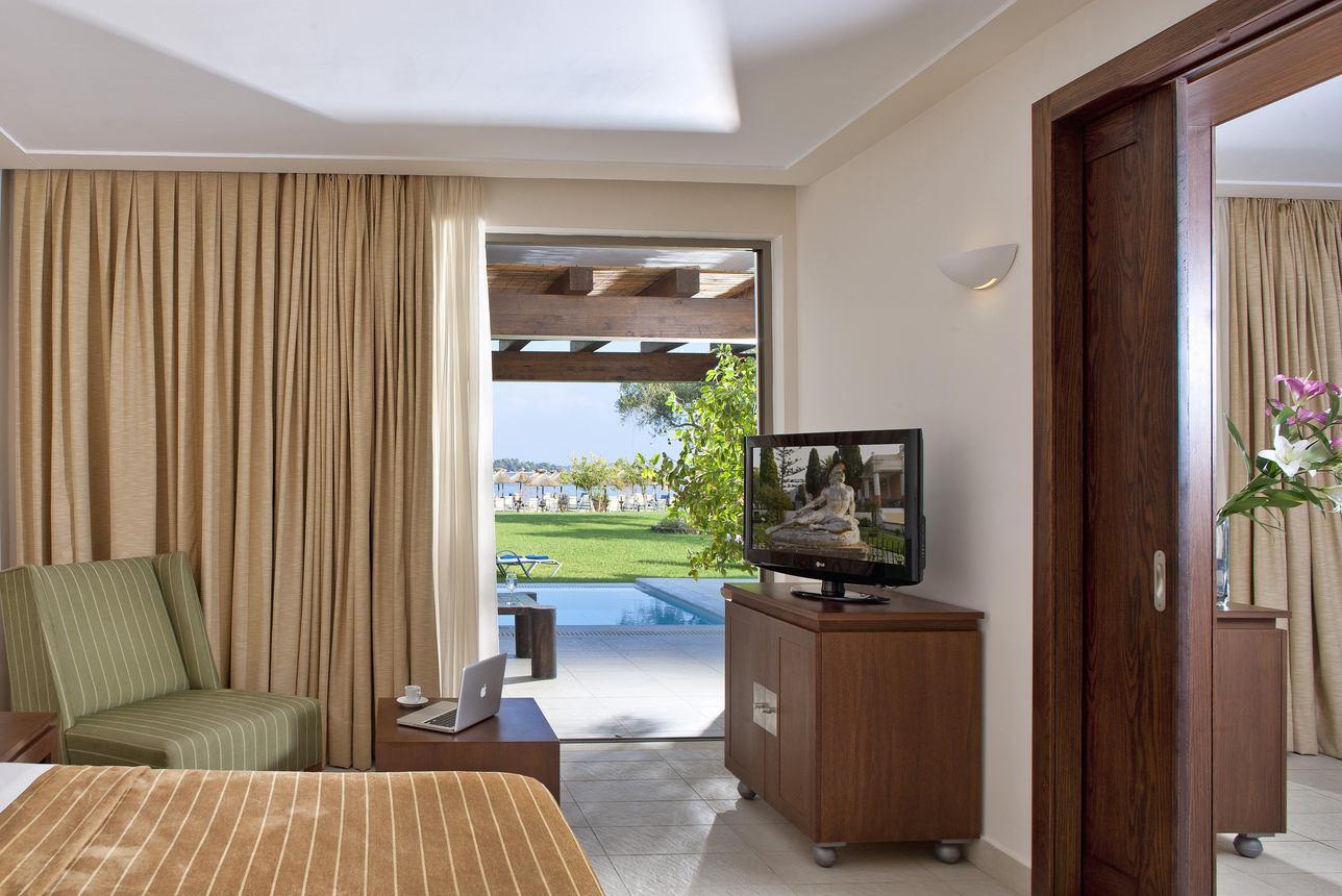 Executive Suite Bungalow 1 slaapkamer Seafront met zwembad