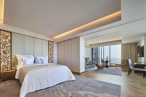 Superior Ocean Suite