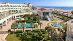 Las Arenas Balneario Resort