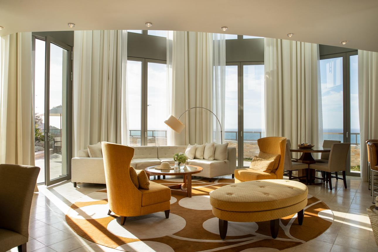 Lighthouse Suite