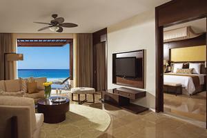 Preferred Club Master Suite Ocean Front met prive zwembad