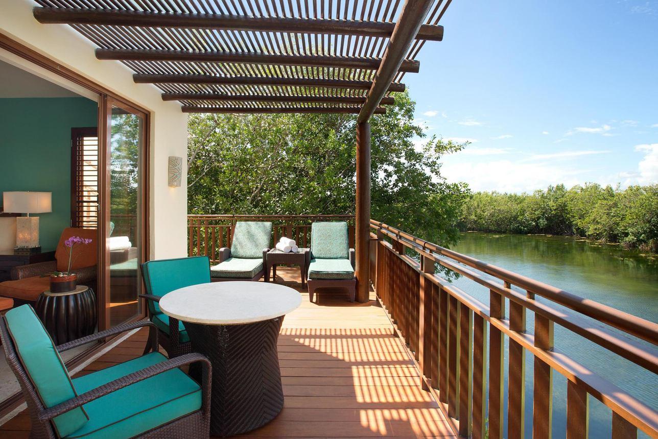 Beach Area Suite