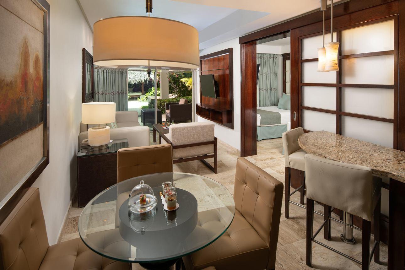 Luxury One Bedroom Master Suite