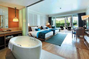Premier Pool Terrace Kamer
