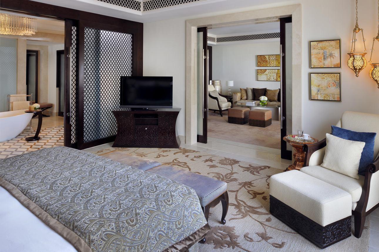 Executive Suite Palm Beach Mansion