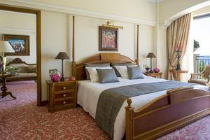Queen Verenikis Suite