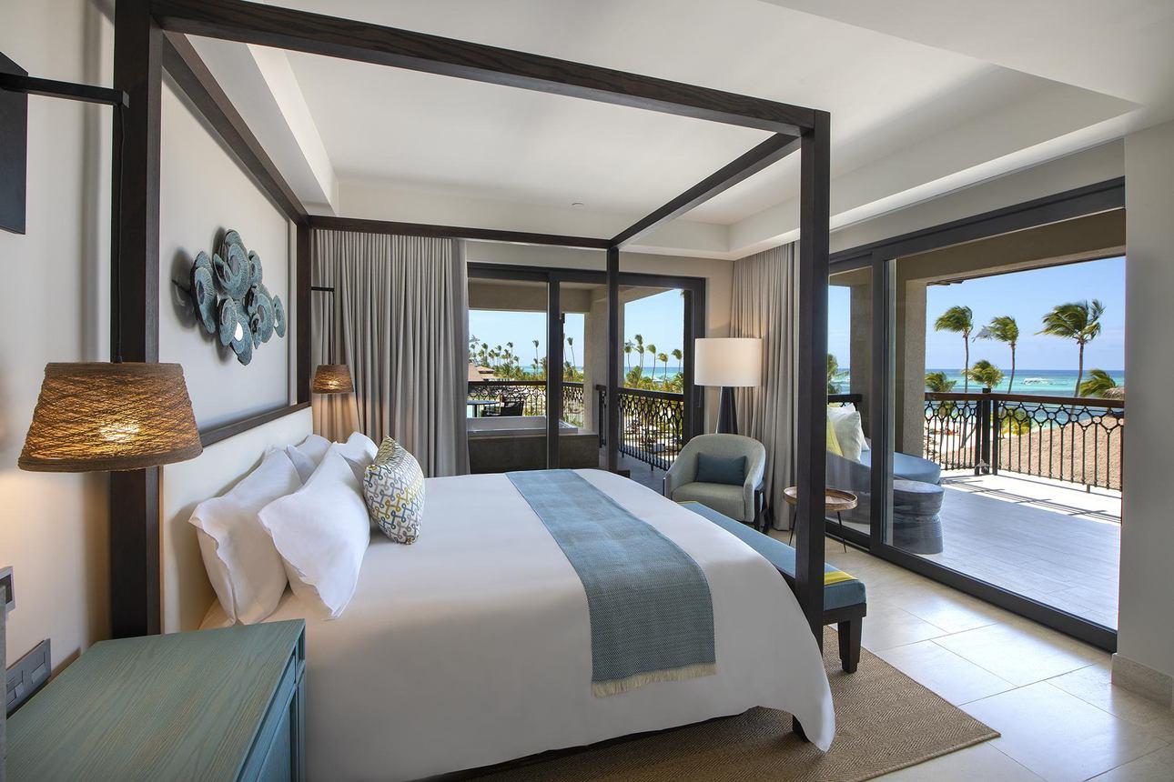 Unique One Bedroom Ocean Suite