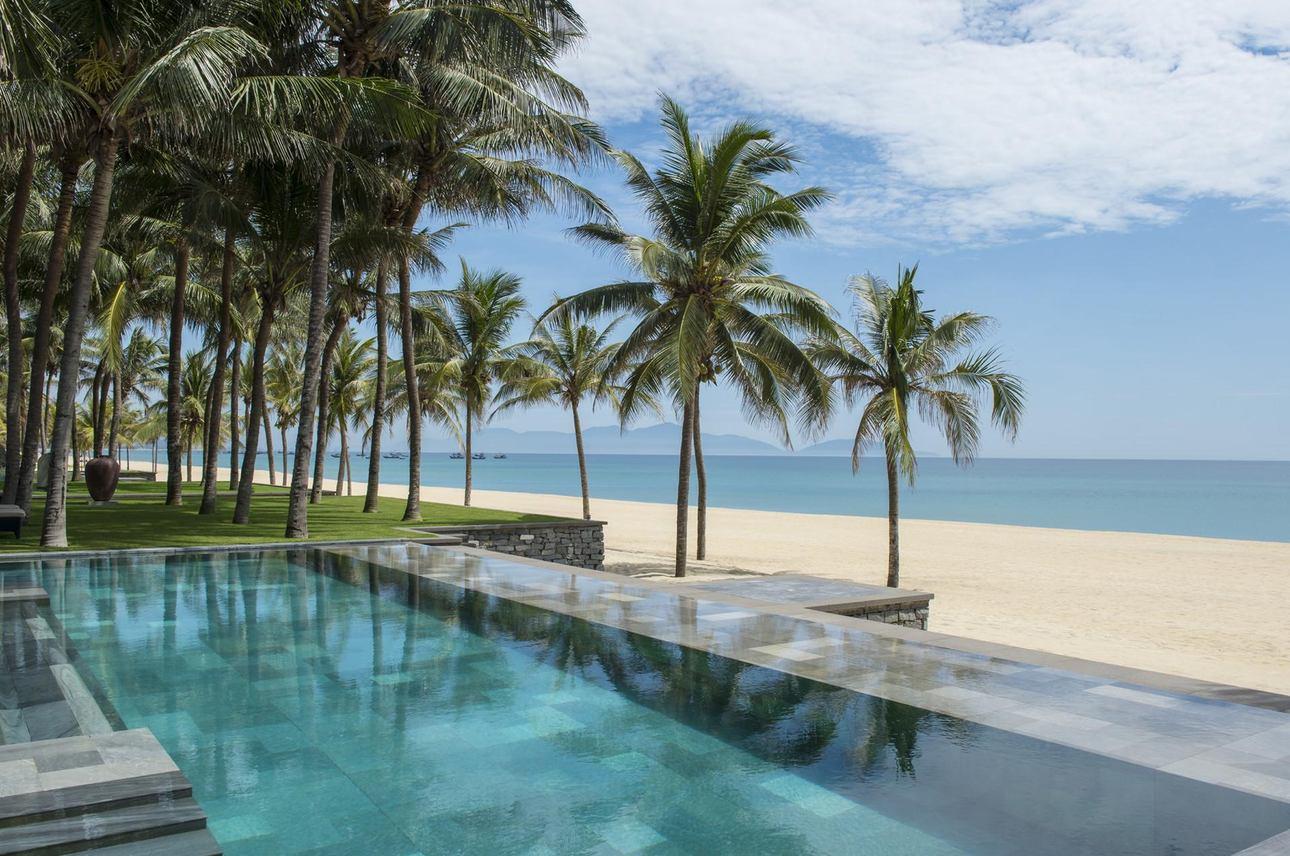 Beachfront Pool Villa 3 chambres
